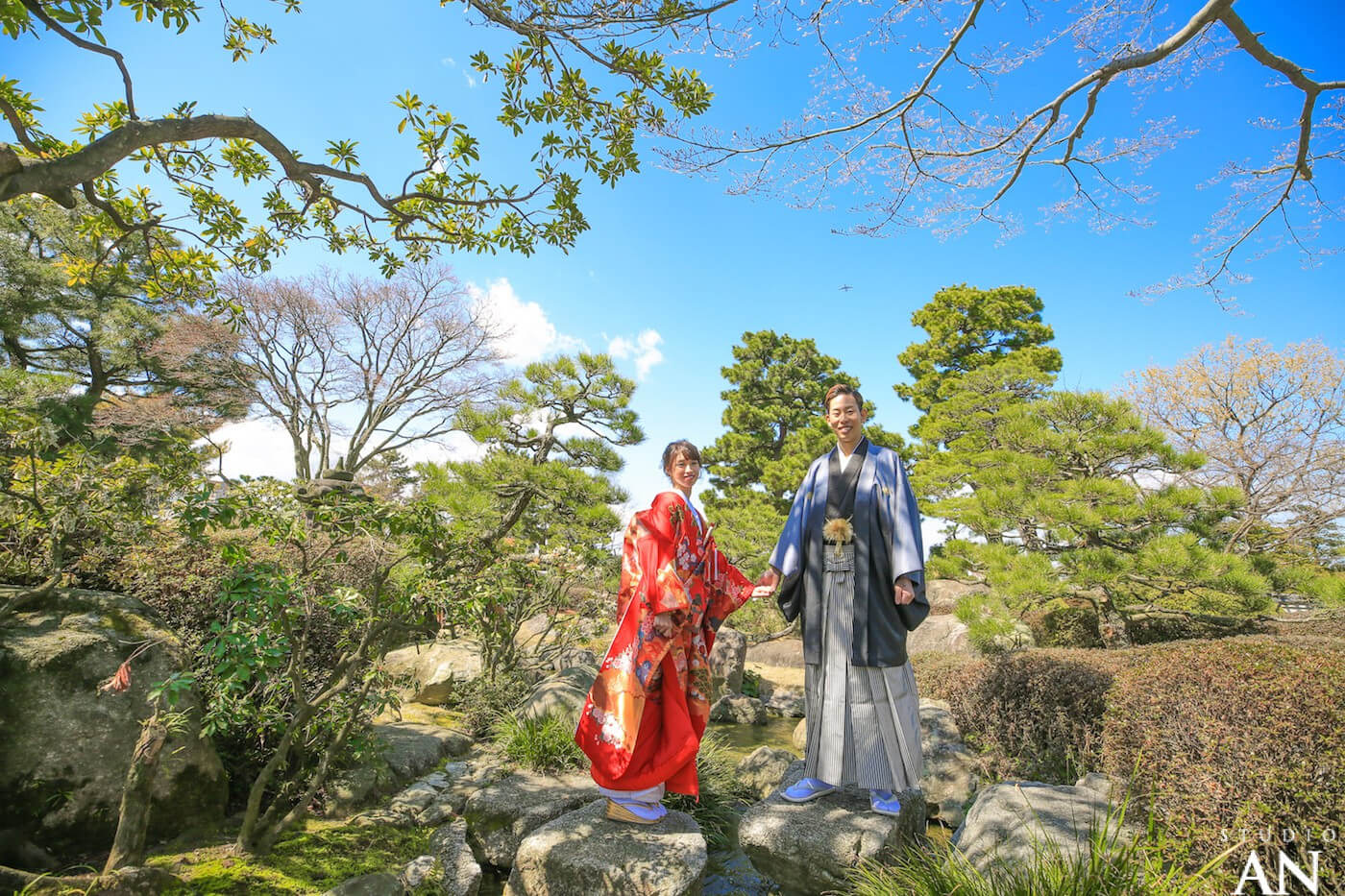 ギラギラの太陽の下で・・・!大濠日本庭園